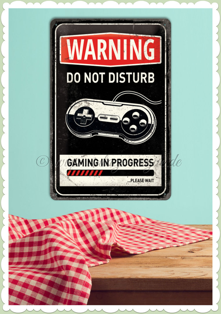 "Nostalgic Art Retro Pin Up Blechschild ""Gaming in progress"""